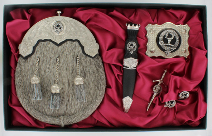 Gift Set, Ultimate, Clan Crest.The Full Accessory Kit.